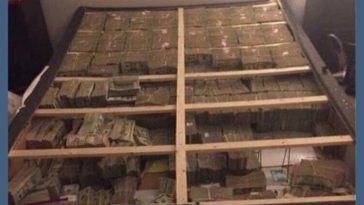 This is what $ 20 million looks like under a mattress